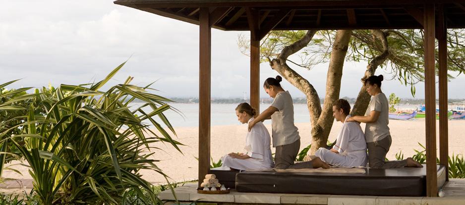 Spa_Holiday-Inn-Resort-Baruna-Bali_Spa-treatment-at-the-bale