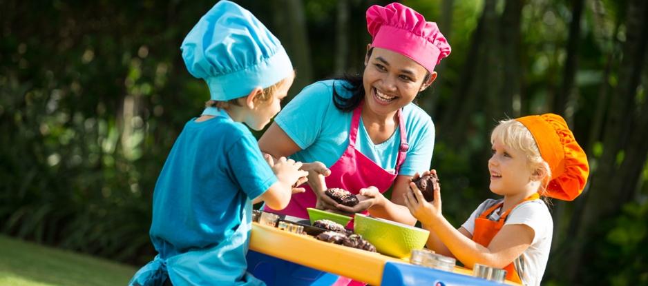holiday-inn-resort-baruna-bali-kids-cooking-class