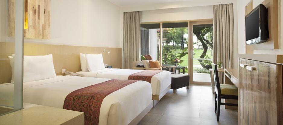holiday inn - twin room