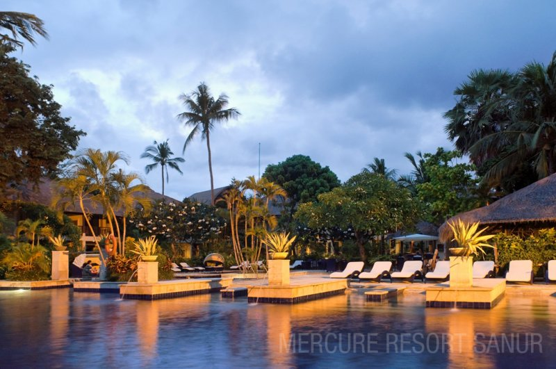 mercuresanur_pool