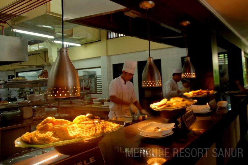 mercuresanur_restaurant
