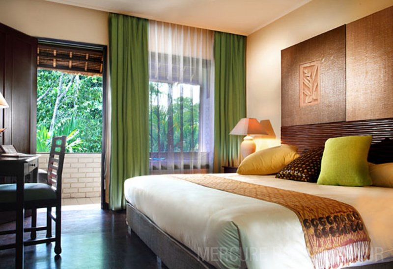 mercuresanur_room